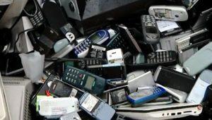 La importancia de reciclar los móviles viejos: la basura electrónica puede ser oro